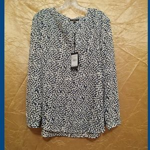 NWT Size L Adrianna Papell blue print top